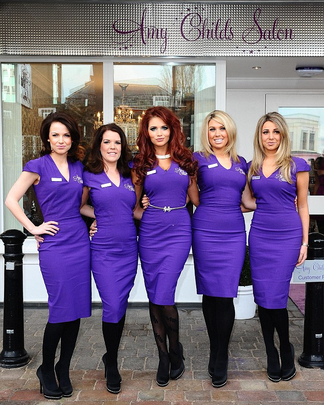 The war of the essex boutiques scarlett london a for Uniform for spa staff