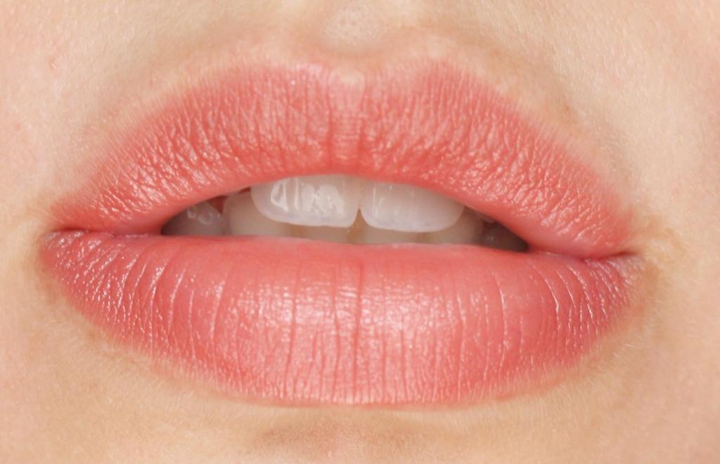 Lips 056