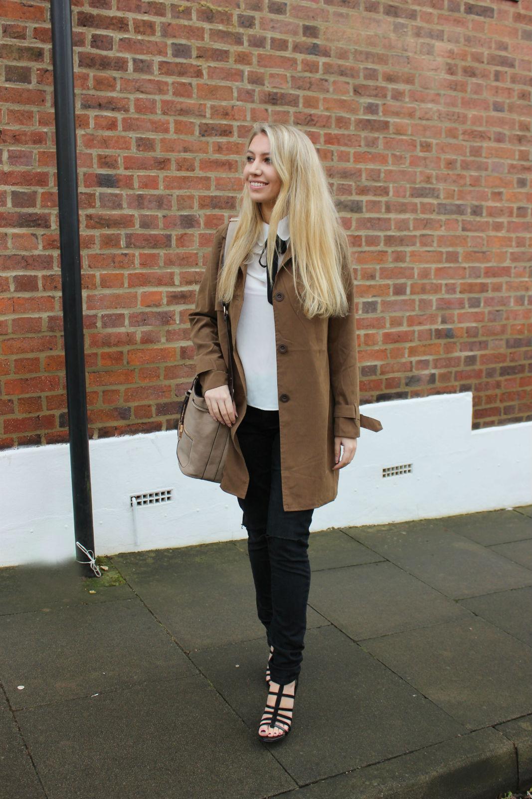 Scarlett Dixon London Date
