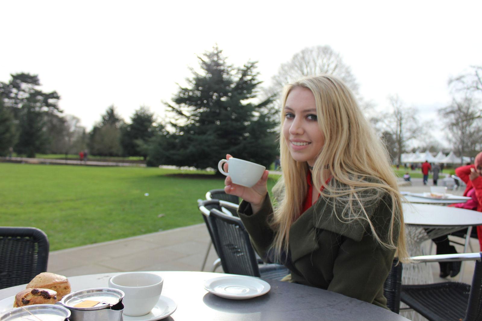 Scarlett London Romance 394825