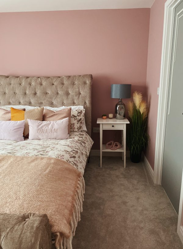 Before & After : The Pink Bedroom
